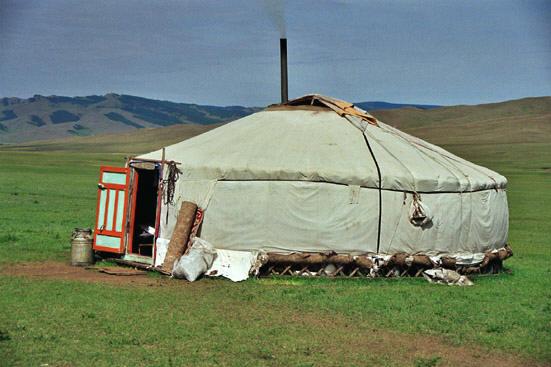 Philippe heurtel mongolie voyage au pays des steppes for Porte yourte